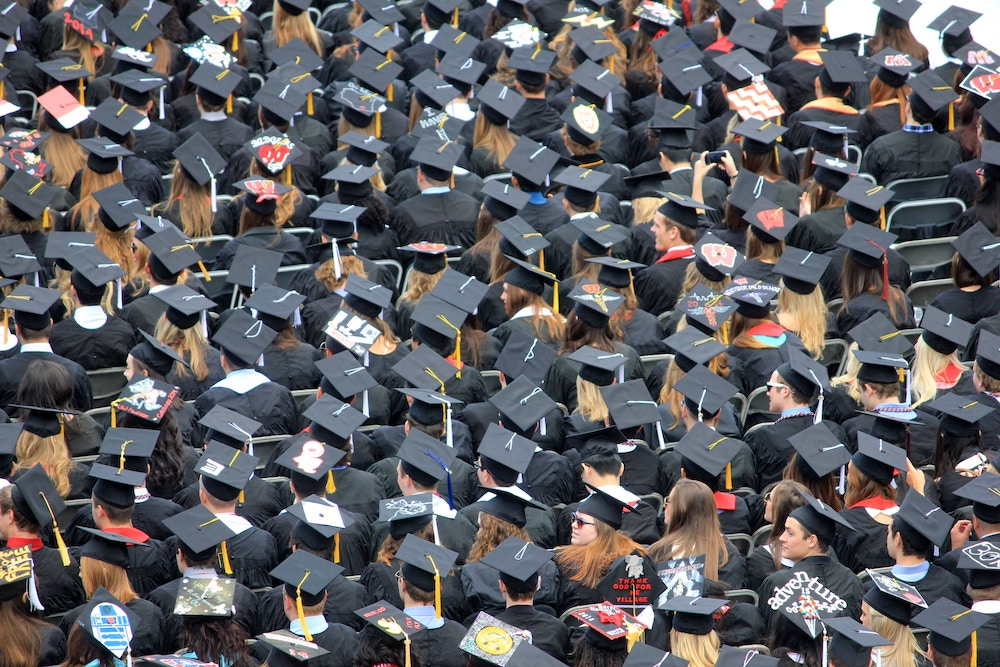 when should you apply for a graduate job?